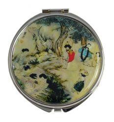 L'illustration sur le miroir est une fidèle reproduction d'un fameux tableu Coréen
