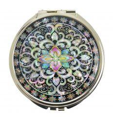Beau miroir de poche décoré d'une arabeque coloré de nacre abalone