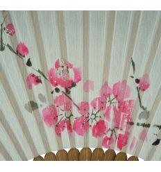 Petit éventail en soie - design fleurs de prunier