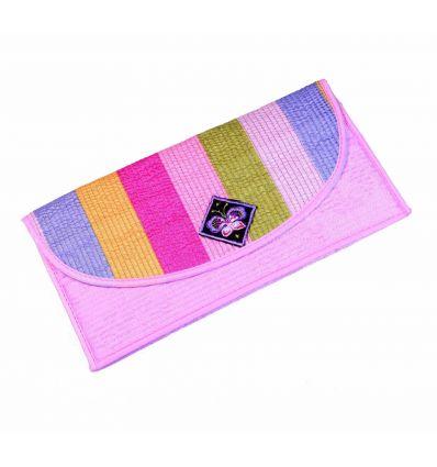 Portefeuille fille de couleur rose bonbon avec des banderolles décoratives colorées