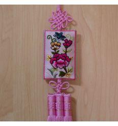 C'est norigae traditionnel Coréen de couleur rose