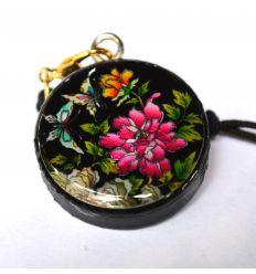 Pendentif rond décoratif en nacre design fleur de pivoine et papillons