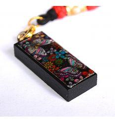 Pendentif rond décoratif en nacre design papillons et fleurs colorés