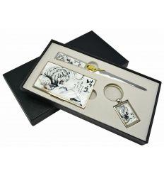 Les trois éléments du coffrets d'accessoires de bureau sont livrés dans une boite de rangement, idéal pour faire un cadeau