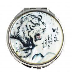 Le couvercle du miroir est décoré d'un tigre blanc en nacre naturelle