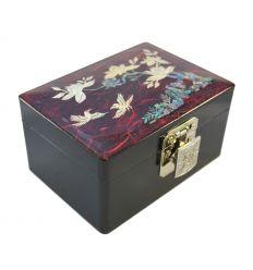 Boite à bijoux fille de couleur rouge et le couvercle décoré de fleurs de pruniers en nacre