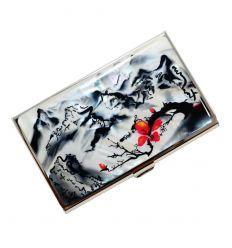 porte-cartes de visite avec fresque d'un paysage asiatique en noir et blanc et une fleur de prunier rouge