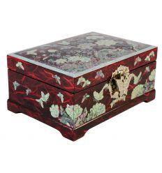 La couleur rouge vif de la boite provient d'un papier traditionnel Coréen