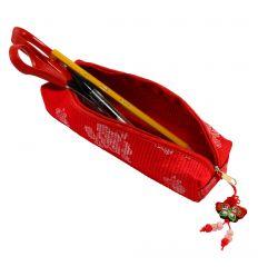 Trousse pour crayons et stylos en tissu rouge design de fleurs brodées