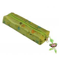Trousse à crayons en tissu vert décoré d'un papillon design