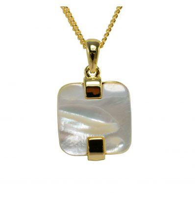 Beau morceau de nacre blanche de forme carré en contraste avec la couleur doré