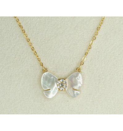 Collier papillon de nacre et cristaux