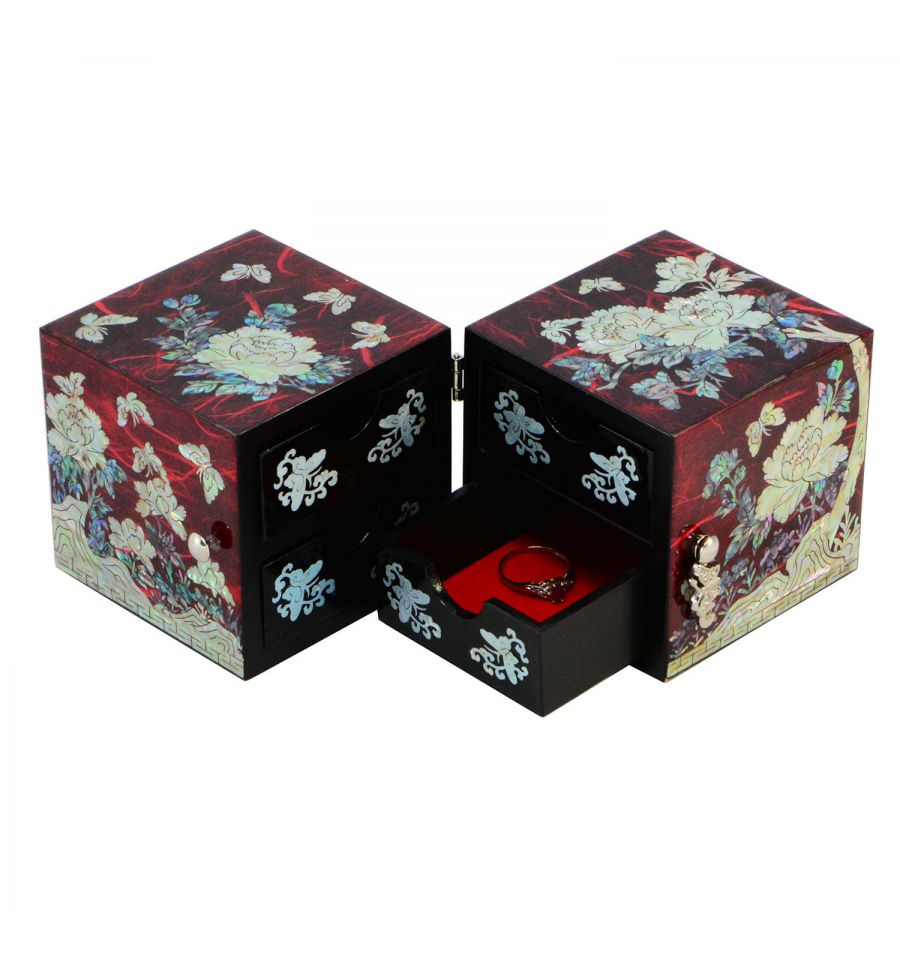 boite bijoux rouge design fantaisie papillon et fleurs. Black Bedroom Furniture Sets. Home Design Ideas