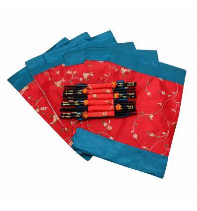 Ensemble de 6 napperons rouge et paires de baguettes en bois décorée de charactères Coréens