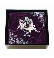 Petite boite à bijoux et bagues violette design papillons