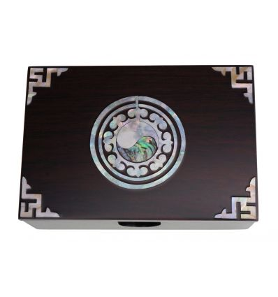 Boite en bois design pour cartes de visitem dessin le yin et le yang