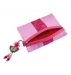 Séduisant porte-monnaie en tissu rose et son pendentif en forme de papillon