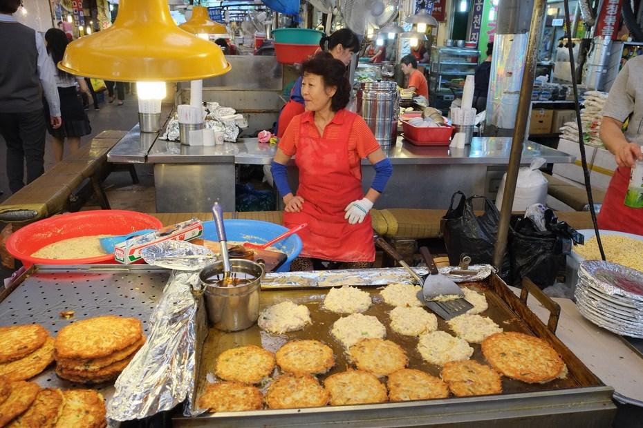 Le marché de Gwangjang, bindaetteok