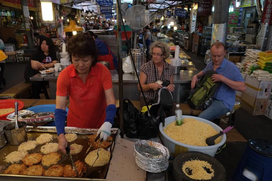 Le marché de Gwangjang, bindaetteok, nokdu-jeon