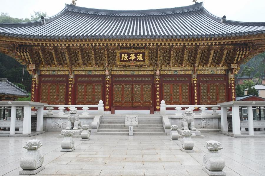 Temple bouddhiste de Dodongsan 3
