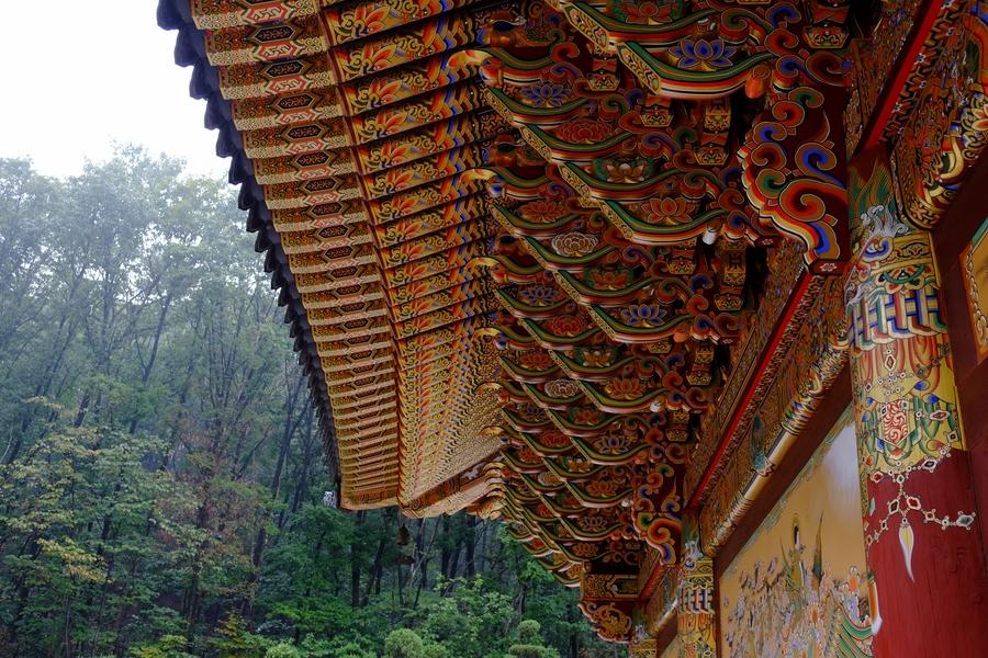 Fresque coloré des temples douddhistes